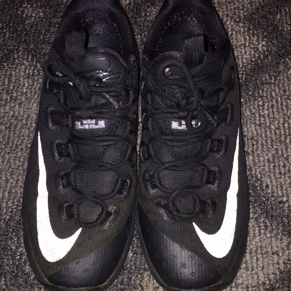save off c4201 2ab2e Lebron 13 low all black